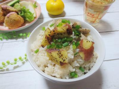 簡単☆炊飯器で♪さつま芋とエリンギのゆかり炊き込みご飯