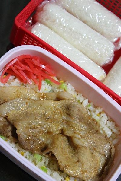 9月30日  葱玉炒飯焼肉弁当&マヨ玉ロールサンド