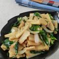 シンプルな味付けがクセになる♪筍と新タマネギの中華風黒コショウ炒め