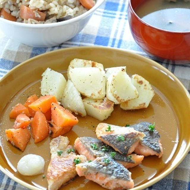 """【節約レシピ】安くて極上のおいしさ♡鮭のアラで作る""""鮭のソテー""""献立と、ドタバタ劇"""