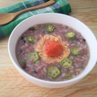 【レシピ】電子レンジで簡単!「暮らしのおかゆ 五穀おかゆ」でツナとオクラの梅粥