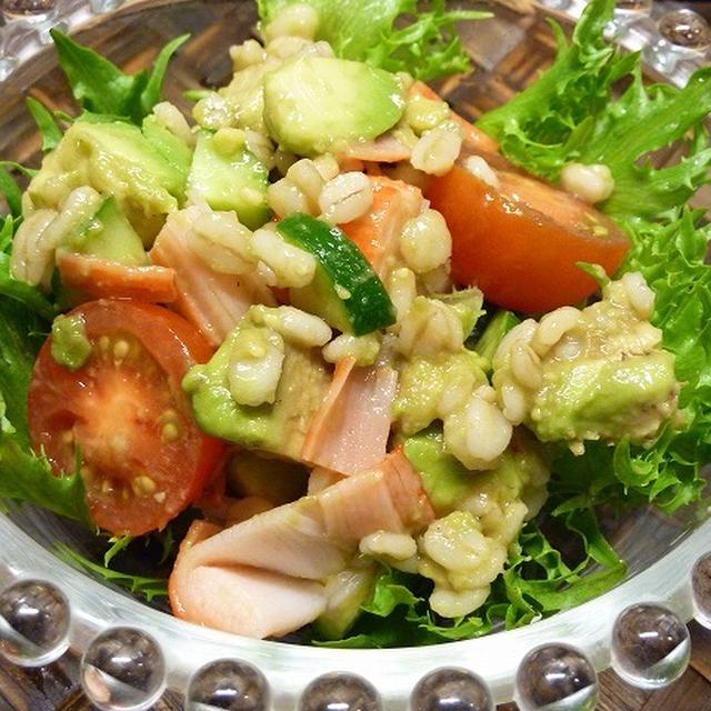 「ばくばく」さんの押し麦で作る、彩りご飯サラダ