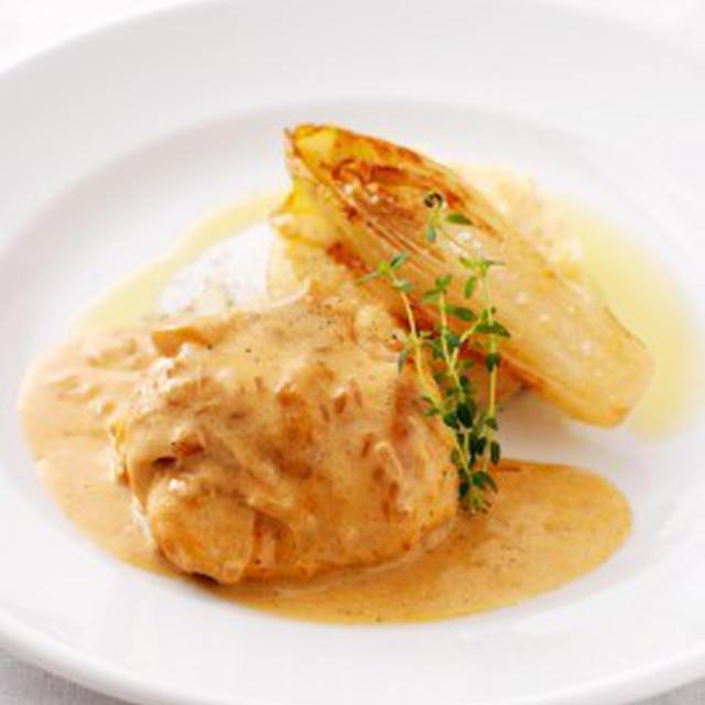 鶏胸肉のクリーム仕立てBLANC DE VOLAIILE A LA CREME