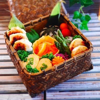昨日と今日の旦那くん弁当*ベトナム風人参レモンなますとちくわ肉巻きレシピ