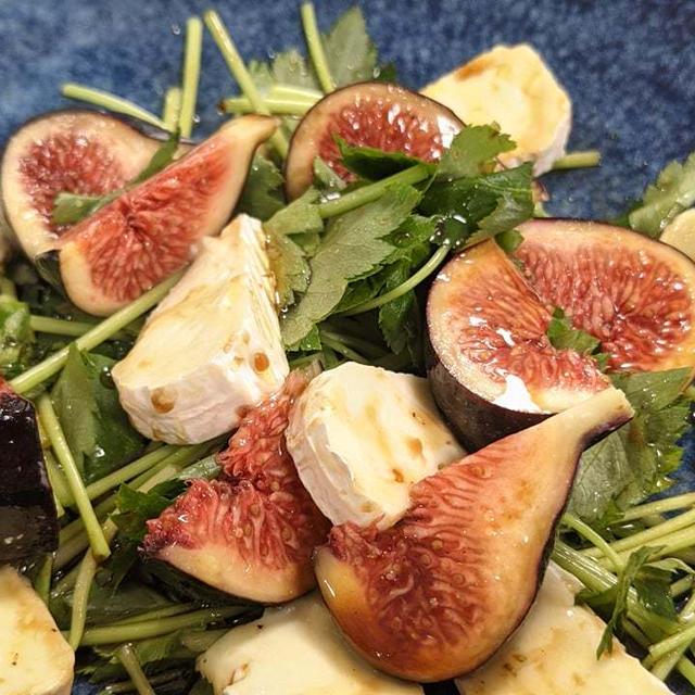 【黒イチジクとクリームチーズのサラダ】NHK松山放送局ラジオまどんなを聴いてね。  by くにこキッチン