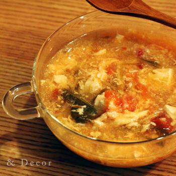 フレッシュトマトとふわふわ卵のスープ、酸辣湯
