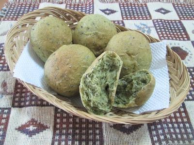 和風☆抹茶と黒ごまの丸パン