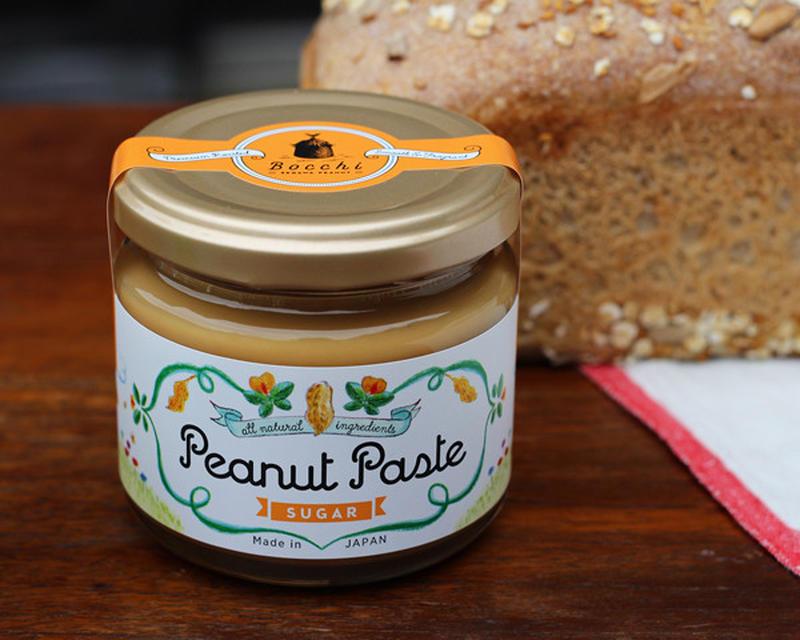 手間暇をかけて育てた国産ピーナッツに、北海道産のてんさい糖を加えて作られたピーナッツペーストです。ナ...