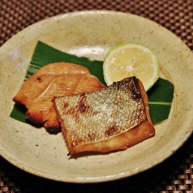 鮭の幽庵焼き と 豆腐の利休煮