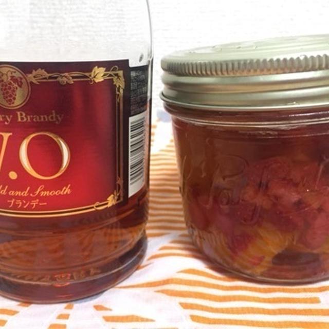 ジャーと季節のフルーツで作る自家製フルーツブランデー(オレンジ&イチゴ編)