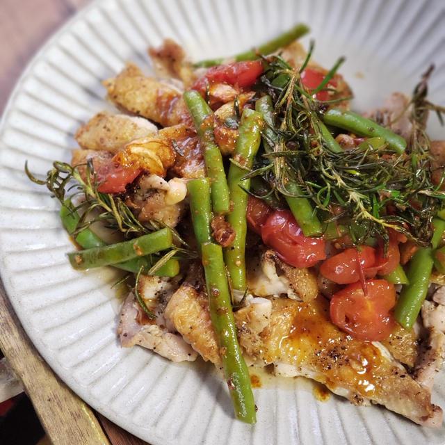 【鶏もも肉レシピ】庭のローズマリー大活躍!夏のチキンステーキ