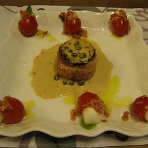 秋鮭のトルネードステーキ・柚子こしょう風味 と プチ・カプレーゼ