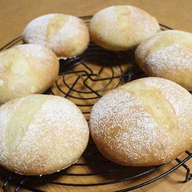 レーズン酵母で丸パンとシソ巻き鶏つくね弁当♪
