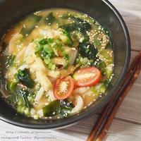 ☆リケンのわかめスープ 焙煎ごまスープ de わかめたっぷりピリ辛ぶっかけうどん