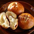 クリームチーズ入り胡桃レーズンパン❁