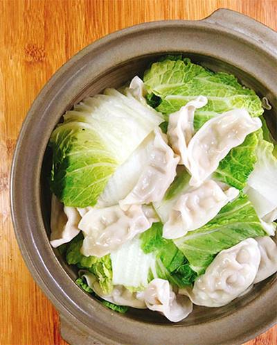 白菜と餃子の蒸し鍋