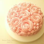 ストロベリーガナッシュクリームのロゼッタショートケーキ