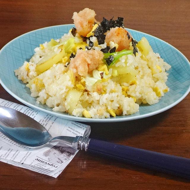 【8分で簡単ランチ】じゃが明太子のガーリックバター卵チャーハン