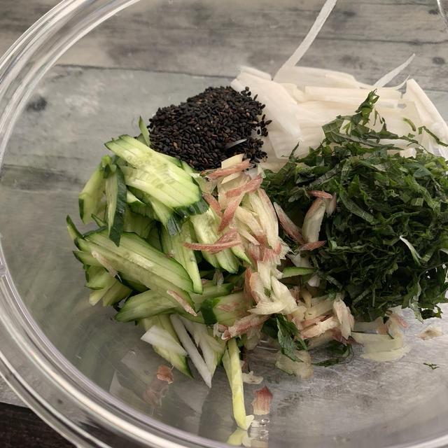 【米油×サラダ】ゆかり香るサラダ★大葉大量消費に〜