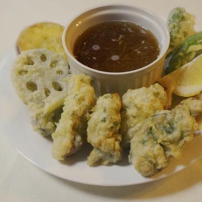 大葉が香る 牡蠣と根野菜の天ぷら