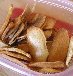 パルメザンチーズ味のポテトチップス