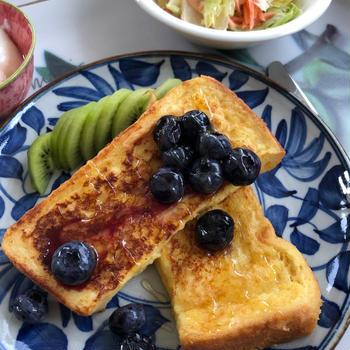 フレンチトースト+自家製ブルーベリーの朝ごはん