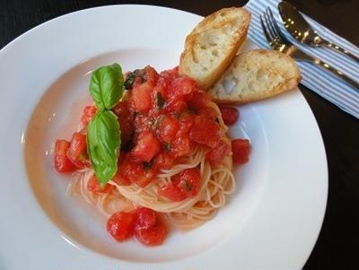 冷製トマトカッペリーニ。