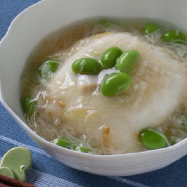 旬の食材でひんやりと♪枝豆とホタテ缶の塩麹あんかけ冷ややっこ
