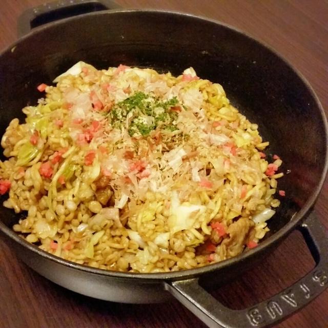 押し麦ご飯で、ご馳走【ソバ飯】とキャベツ焼き。