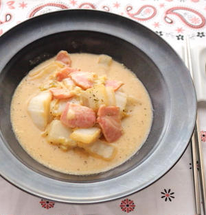 とろけるチーズとベーコンの白菜スープ煮☆白菜の水分だけ。コクと旨味を堪能できる食べるスープ