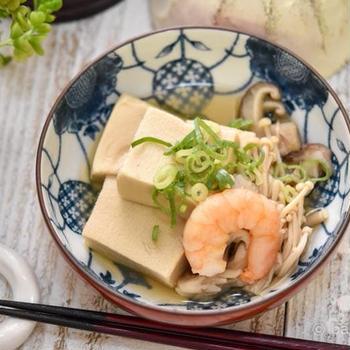 高野豆腐とエビの栄養満点ヘルシー煮物 だし醤油で簡単レシピ