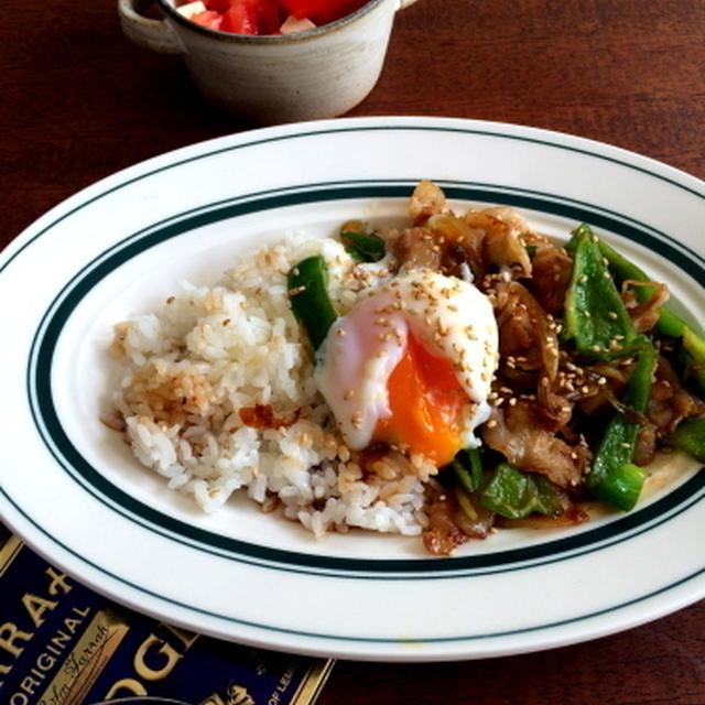 【簡単!!!10分ごはん】豚肉とピーマンと玉ねぎのピリ辛しょうが炒め*のっけごはん