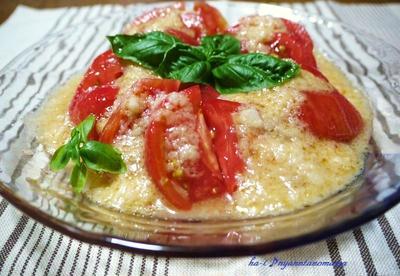 ギラギラ<太陽の完熟トマトとおろし玉ねぎドレッシングサラダ><スパイシーです☆夏野菜のキーマカレー>