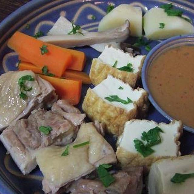インドネシアの温野菜「ガドガド」風?お肉も一緒!