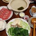 香味だれで豚肉と小松菜の常夜鍋。