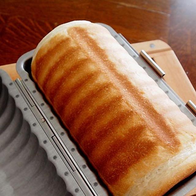 ラウンドパンに挑戦・・私のランチにゃお♪