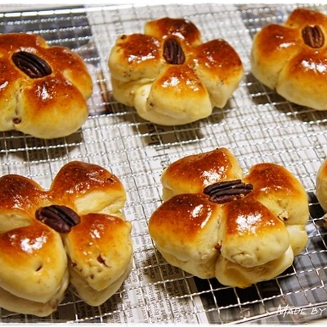 2012年初焼き♪ <ピーカンナッツパン>