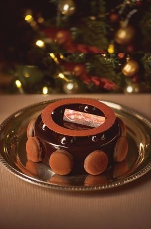 エクアドル産カカオの芳醇な香りと上質な口溶けが奏でる絶妙なハーモニーが魅力のケーキ!チョコレートと相...