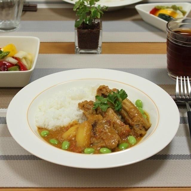 ■ヨーグルトトマトカレー と ピクルス