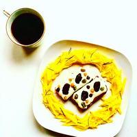 プルーンと白すぐりのチーズクリームトースト