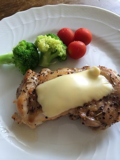 鶏のチーズ焼き♪鶏もも肉&スライスチーズで簡単&豪華!