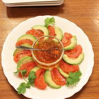 アボカドとトマトのサラダおだしジュレ