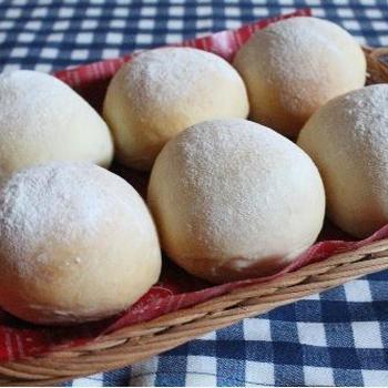 白パンとお店の美味しいパン♪