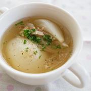 【おうちごはん】新玉ねぎとベーコンの洋風スープと、ビーフストロガノフ