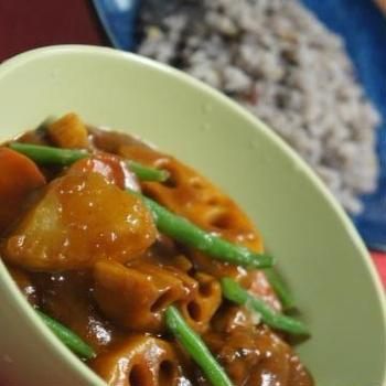 今夜は和風カレー&十種雑穀入りご飯です♪