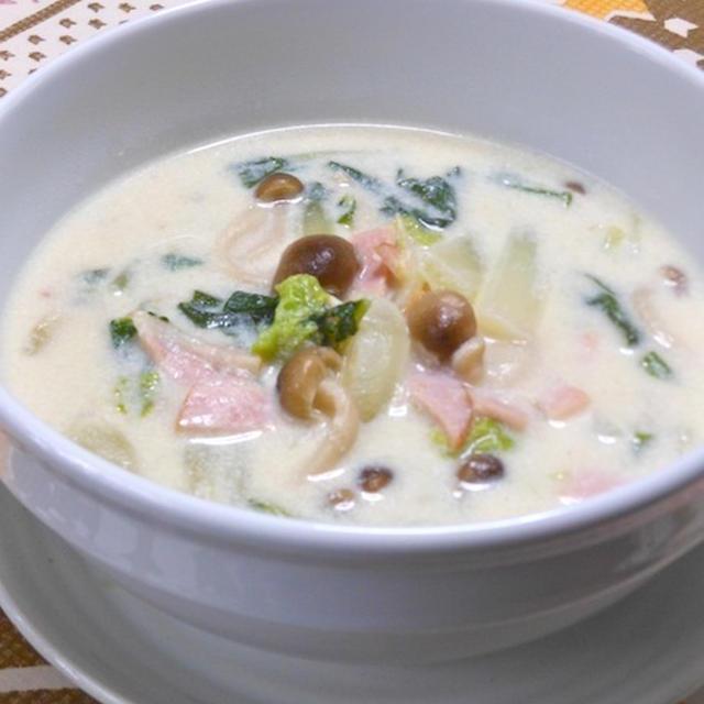 寒い夜に簡単10分!生姜でさっぱり、温まる〜白菜とハムの和風クリームスープ。