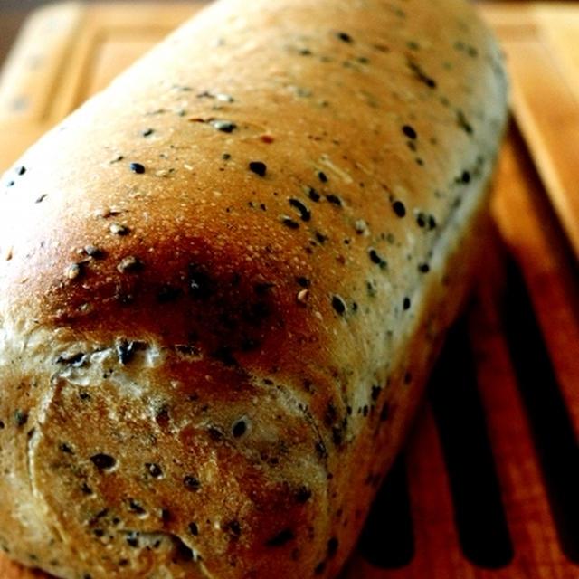 胡麻ミニ食パン&かっちゃん♪