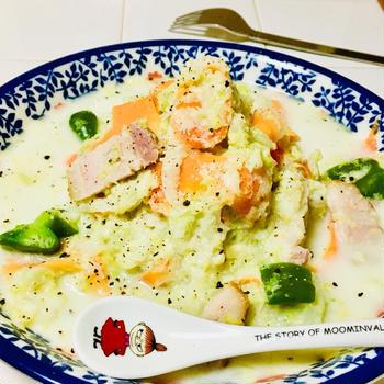 白菜たっぷりでヘルシー♪食べるクリームスープ♡