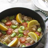 鶏肉とそら豆、ミニトマトのパエリア