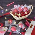 バレンタインに♡いちごのケーキポップス